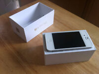 WHITE APPLE iPHONE 4S WITH CHARGER AND ORIGINAL BOX - ROGERS