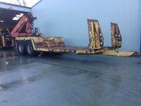 Crane low loader trailer