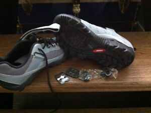 SPIN CLASS SHOES W/PEDAL ATTACHMENTS