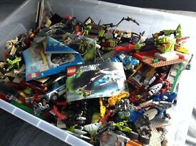 HUGE BOX OF LEGO FULL OF RANDOM SETS, INSTRUCTIONS AND FIGURINES