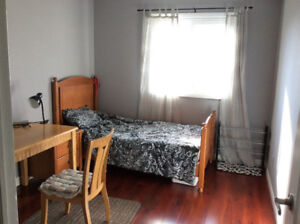 A ROOM for rent or homestay of Iroguois high in Oakville