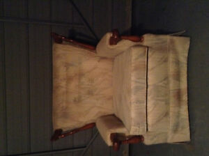 Couch and chair set - antique Kitchener / Waterloo Kitchener Area image 2