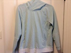 Lululemon pull over sweater size 8