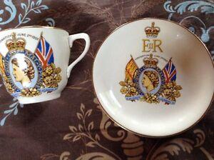 Vintage. Un service à thé QUEEN ELIZABETH II Gatineau Ottawa / Gatineau Area image 1