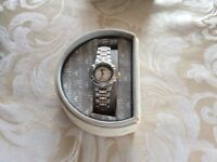 Ellesse Vintage Retro Ladies Gold Two Tone Wrist Watch £50.