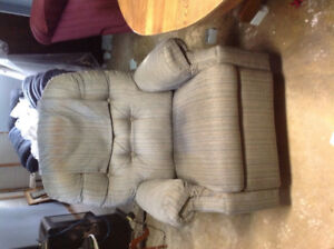 bedroom furniture (no beds)    lazy boy chair on swivel