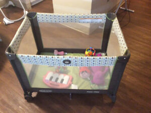 Baby car seat and play pen