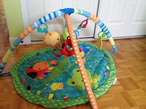 Divers jouets/articles pour bébé