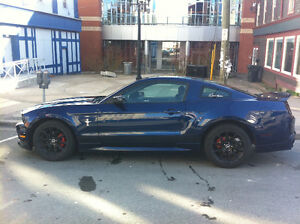 2010 Ford Mustang Coupe (2 door)