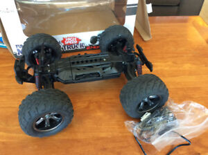 RC MONSTER TRUCK FOR PARTS OR REPAIR | INCLUDES 2 CHARGERS