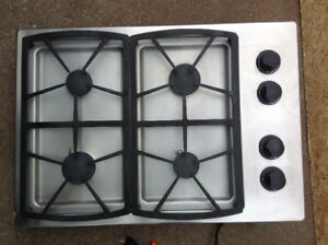 """s/s """"Dacor"""" 30""""W x 21""""D sealed gas metal cooktop"""