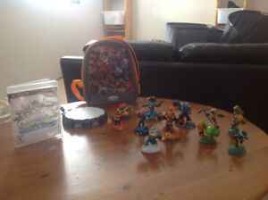 Skylander portal and figurines