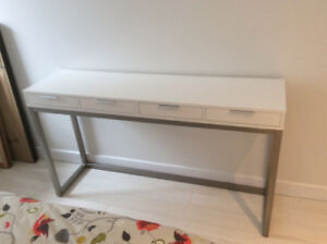 Table console laquée blanche