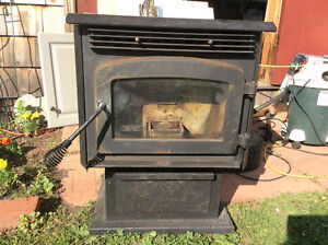 Drolet Eco 35 pellet stove and flu