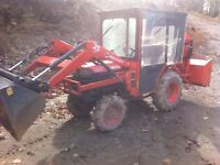 Tracteur compact kubota  HST 4x4 chargeur