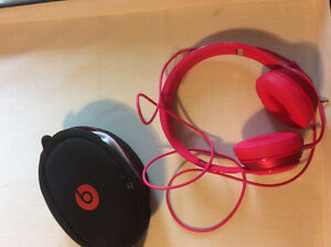 Beats solo2 pink headphones perfect condition