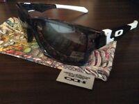 Oakley Jupiter squared polarised sunglasses