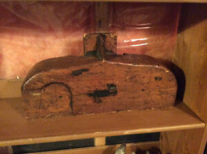 Vintage Wood Mold - Great display piece