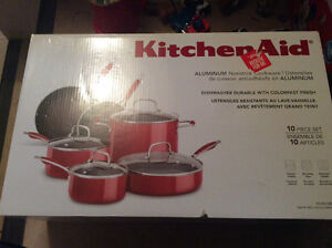 Kitchen Aid Aluminum nonstick cookware 10 piece set