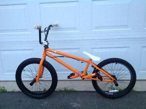 MirraCo Muse BMX bike (Like New)
