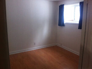 2 Bedroom Apartment (Hull) Heating and Hy included, 5 min Ottawa Gatineau Ottawa / Gatineau Area image 5