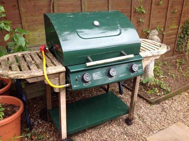 Gas BBQall working, Free to collectorin Norwich, Norfolk - Large range style Gas BBQ multiple burners etc, as per pictures, but needs a good clean up, and wooden side tables need revarnishing/oiling.It all worked last time we used it, cooked really well, but the cover blew off last winter and we dont really...