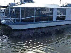 Floating 2 bedroom unit on the water Hope Island Gold Coast North Preview