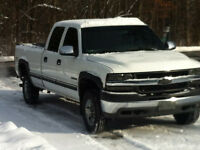 2001 Chevrolet 2500 HD LT Crew Cab 4x4 Pick up Truck