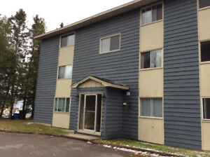 MILLIDGEVILLE AREA QUIET 2 BEDRM /HEAT HOTWATER Included