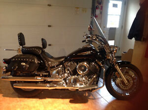2004 custom 1100 Yamaha V Star motorcycle for sale