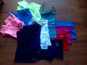 Lot vêtements Hollister taille small