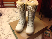 Ahnu womens Tahoe WP leather boots size 7.5 (NEW)