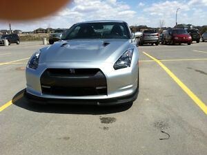 2009 Nissan GT-R Coupe (2 door)