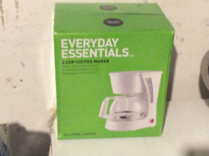 EVERYDAY ESSENTIALS 4 CUP COFFEE MAKER