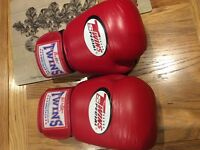 14oz twins special. Boxing gloves