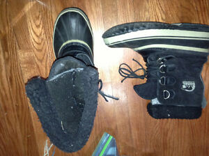 New condition Sorel size 8 Mens boots for sale