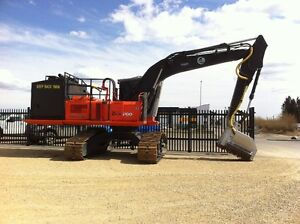 2006 Excavator Mulcher, 200LC Hitachi Forester with Power Pack
