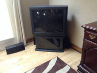 OLD STYLE TOSHIBA TV & STAND