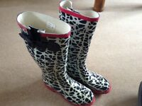 Ladies Wellington Boots by Fat Face Size 4