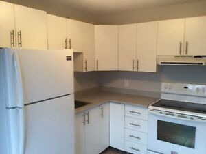 613-292-0506 COZY 1 BED 660$/MONTH + 4 APPLIANCES ALL INCLUDED