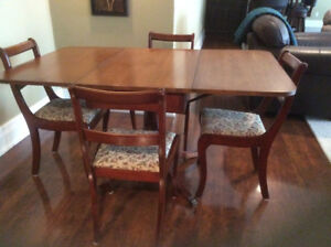 Duncan Phyfe Table with 4 chairs - Located In Amherst