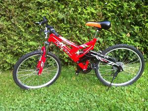 """Huffy"" Tundra"" Bike/ Velo /Bicyclette / Bicycle"