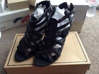 Selling these black heels CHEAP