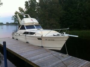 Chris Craft Commander 35 pied