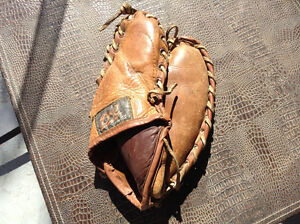 RARE**Beautiful ANTIQUE KIDS LEATHER 3 finger ball gloves mitts Cambridge Kitchener Area image 1