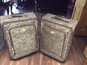 2 PIECES OF LUGGAGE FOR SALE