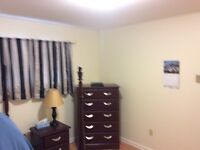 Aug 1 ROOM TO RENT - FAMILY HOME 2 min walk to Hospital