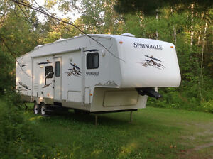 JUST REDUCED! 2009 32 ft Springdale by Keystone 5th wheel