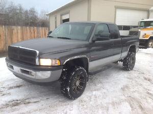 2002 Dodge Cummins Diesel Ram 2500 Pickup Truck