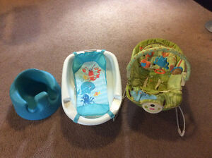 Baby Bundle - Bouncy Chair, Bathtub, Bumbo Chair